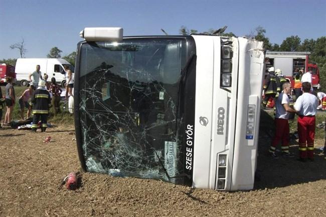 802c411b1e Személyautó és busz karambolozott a 85-ös főúton Kapuvár és Vitnyéd között.  A balesetben meghalt Tapodi Péter, az UNI Győr kosárlabdaklub igazgatója és  Fűzy ...